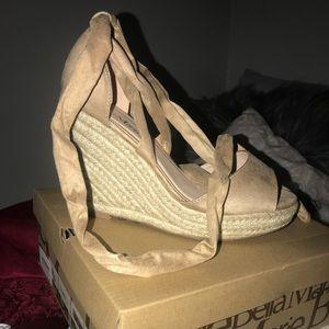 Size 7 Bella Maria wrap wedges!